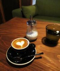 土蔵をリノベした素敵なカフェ*& espresso ~ 御菓子処 花岡 本店 - ぴきょログ~軽井沢でぐーたら生活~
