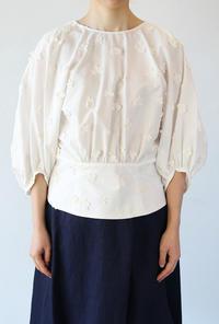 leur logette(ルールロジェット)のブロードモチーフ刺繍ブラウス - jasminjasminのストックルーム