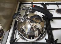 OXOのホーローケトルがあまりに重たいので - お茶の水調理研究所