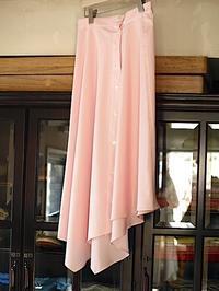 さわやかで愛らしい(フェミニン)な印象のtomoumi ono アシメトリー(左右非対称)スカート - contemporary creation+ ART FASHION DESIGN