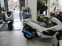 新型PCXの人気! - バイクの横輪