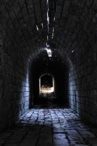 カラミ煉瓦の煙道内部 - 萩原義弘のすかぶら写真日記