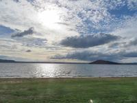 湖畔と芝刈り - いい旅・夢Kiwi スカイキウィの夢日記