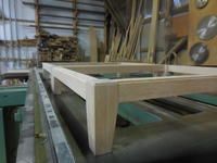 モザイクキャビネットの脚組み立て - 手作り家具工房の記録