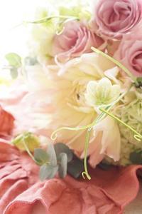続々と復帰組さんたち、春を創る - お花に囲まれて