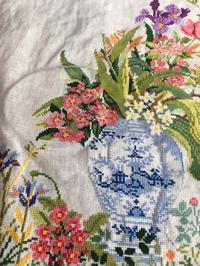 海までお散歩   エヴァ デルフトの花瓶 - いとの色