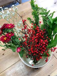 【花育レッスンレポ】クリスマスアレンジメント! - 「花」と「自分」を楽しむ花教室*  fleur Nature-フルール ナチュール-