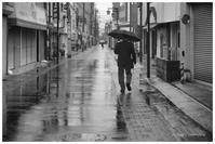 雨の朝の休日 - BobのCamera