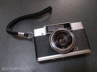 ストラップだけがネックだなぁ…の話 - I LOVE Half Size Camera
