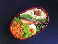4/17鮭弁当 - ひとりぼっちランチ