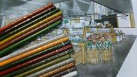 道具へのこだわり -カラフルな色鉛筆- - アトリエKCの気になるデザイン見聞録