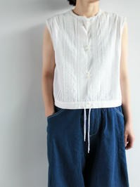 assiettelace / no sleeve blouse - 『Bumpkins putting on airs』