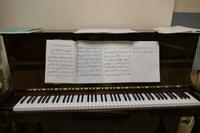 ピアノ調律 - 絵を描きながら