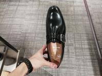 旧チャーチか現行チャーチか - シューケアマイスター靴磨き工房 銀座三越店