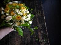 結婚式のブーケとブートニア。ご両親への花束。アール・ベル・アンジュ札幌へお届け。2018/04/21。 - 札幌 花屋 meLL flowers