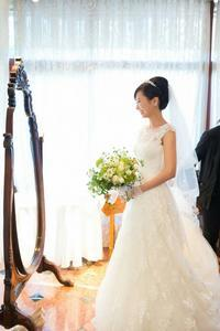 新郎新婦様からのメールリストランテASOの花嫁様より秋の装花、バラと実り最終編 - 一会 ウエディングの花