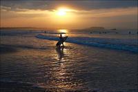 2018/04/25(WED) 横殴りの雨風で今朝は......。 - SURF RESEARCH