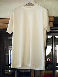着ると良さが分かるMILFOIL オーガニックコットンメンズ半袖カットソー - contemporary creation+ ART FASHION DESIGN