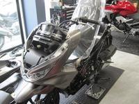 ニューPCX150 - バイクの横輪