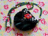 ハンガリーのビーズ刺繍のミニ・ポシェット -  Der Liebling ~蚤の市フリークの雑貨手帖2冊目~