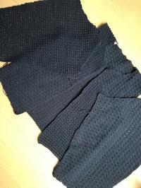 カギ針で編む黒のカーディガン - ニットの着樂