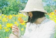 麦わら帽子の影 - photomo