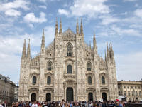 The Duomo under the blue sky - PATEK PHILIPPE Blog by Luxurydays.