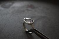 サージェナイト リング - 石と銀の装身具
