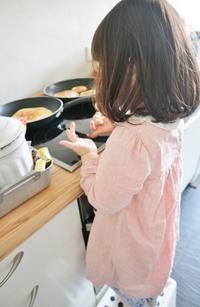 台所に興味津々の娘&乳児湿疹が治りました☆ - ドイツより、素敵なものに囲まれて②