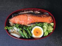 5/2 海苔鮭弁当 - ひとりぼっちランチ