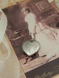 *純銀製Heart LocketSOLD - Serendipity Antiques
