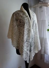 白シルクレース大判ショール102 sold out! - スペイン・バルセロナ・アンティーク gyu's shop