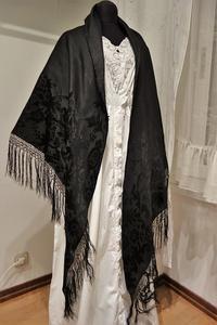 黒シルク三角ショール94 - スペイン・バルセロナ・アンティーク gyu's shop