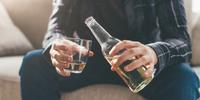 「 アルコール依存症 」 - SPORTS 憲法  政治