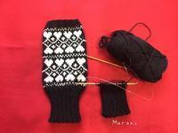 黒白 ハートモチーフのハンドウォーマー 片手完成 - ミトン☆愛犬 編みぐるみ Maronyのアトリエ