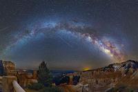 満天の星空とみずがめ座イータ流星群 - 秘密の世界        [The Secret World]