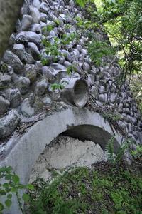 石灰窯跡 - 萩原義弘のすかぶら写真日記
