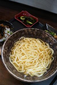 琉球麺茉家の八重山そば - ちゅらかじとがちまやぁ
