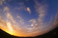 日没後の空。 - 青い海と空を追いかけて。