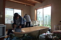 """訪問入浴 - """"まちに出た、建築家たち。""""ーNPO法人家づくりの会"""