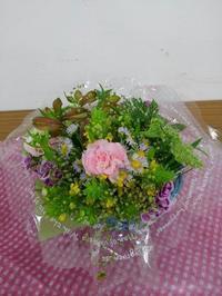 母の日の花かご - 気まぐれ雑草日記