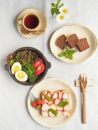 いちごのオープンサンド - 陶器通販・益子焼 雑貨手作り陶器のサイトショップ 木のねのブログ