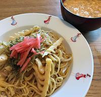 大量の筍から③中華料理屋で出てきそうなたけのこ炒めで四川風焼きそば&酸辣湯♪ - Isao Watanabeの'Spice of Life'.