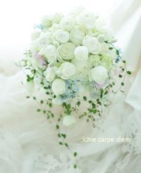 5月のブーケ アニヴェルセルみなとみらい様へ、お母様へのサプライズ - 一会 ウエディングの花