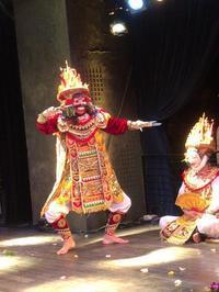 「Saya menari バリ舞踊 ~宇宙を映すからだ~」を終えて - 戦場の旗手