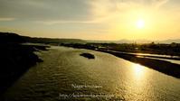 夕暮れの大井川#2 - 長い木の橋