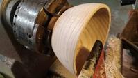 栗椀の仕上げ削り - よしのクラフトルーム
