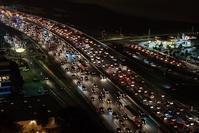 ウェビックさんの「「波状運転」からの追突事故渋滞末尾での危険をどう防ぐか!? 」 - マーチとバイク
