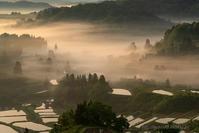 朝霧の峠 - デジタルで見ていた風景