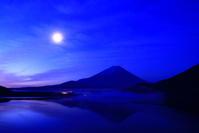 30年5月の富士(8) 本栖湖夜明け前の富士 - 富士への散歩道 ~撮影記~